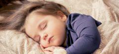 Proč jsou pro děti uspávací rituály důležité