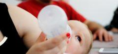 Jak dítě naučit pít z lahve?