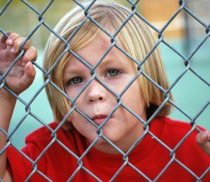 Jak se zachovat, když dítě nechce do školy?