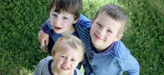 Když na sebe děti žárlí, aneb jak vyřešit sourozeneckou žárlivost?