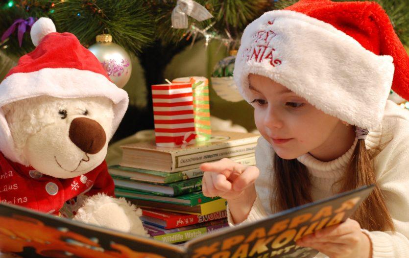 Kniha pro děti by pod stromečkem neměla chybět