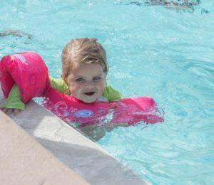 Proč dítko přihlásit do kurzu plavání