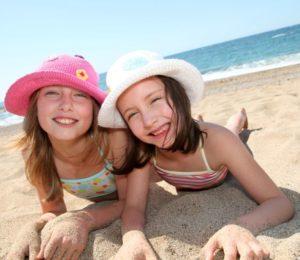 Otázka na tělo: Je pro děti opalování zdravé?