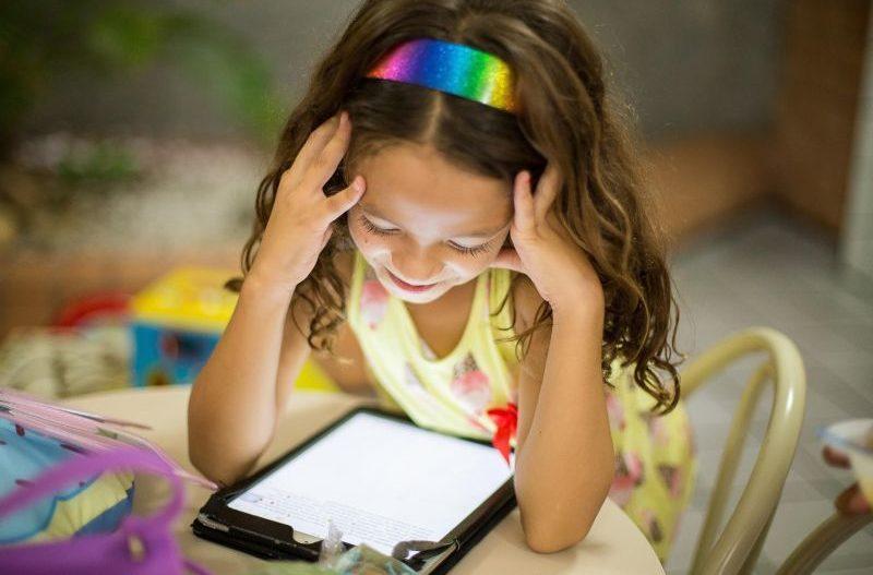 Elektronika v lavicích? Školákům usnadní výuku a zefektivní proces učení