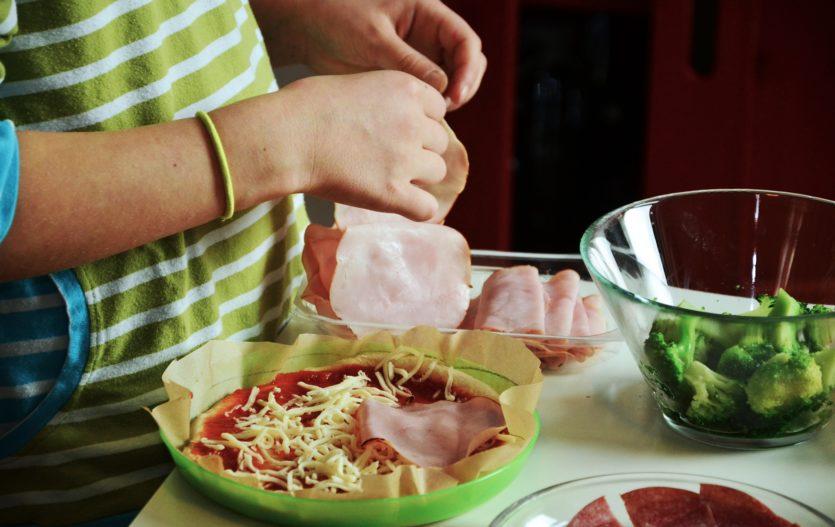 Jíme zdravě a hravě! Co udělat pro to, aby dítko jídlo bavilo?