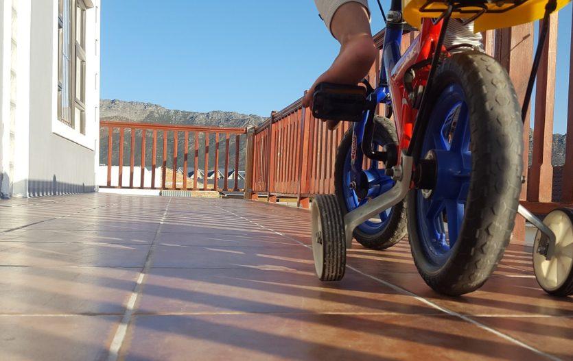 Jak naučit dítko jezdit na kole?