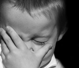 Když dítě bolí ouško, aneb jak si poradit se zánětem středního ucha?