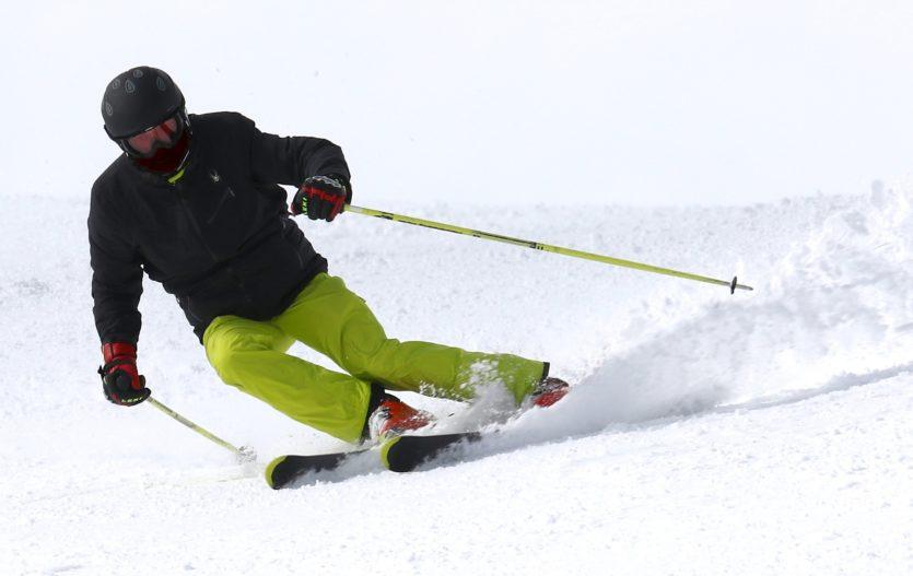 Letošní zimní lyžování – poradíme s koupí zájezdu a co s sebou