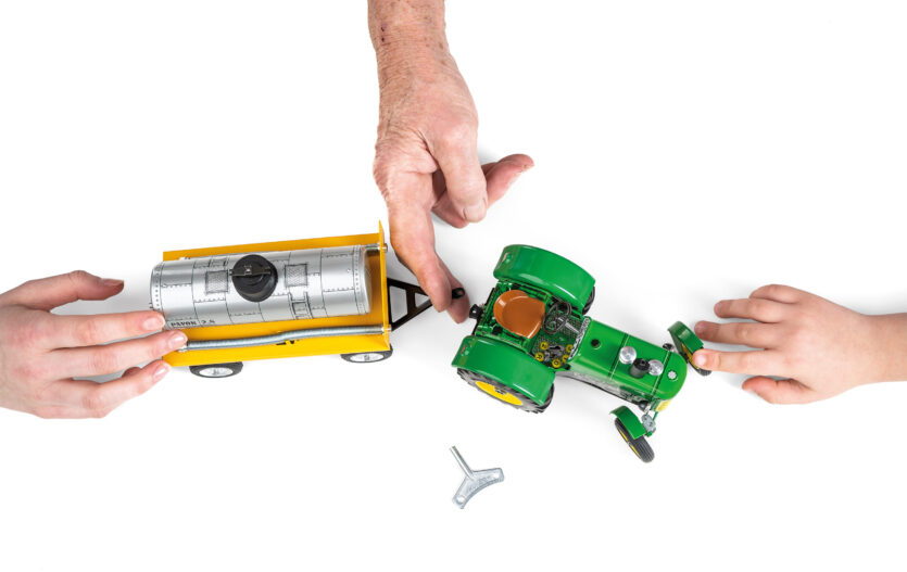 Vstupte s námi do světa výroby plechových hraček